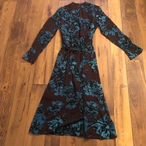 Gorgeous dress from WhoWhatWear. Like new!